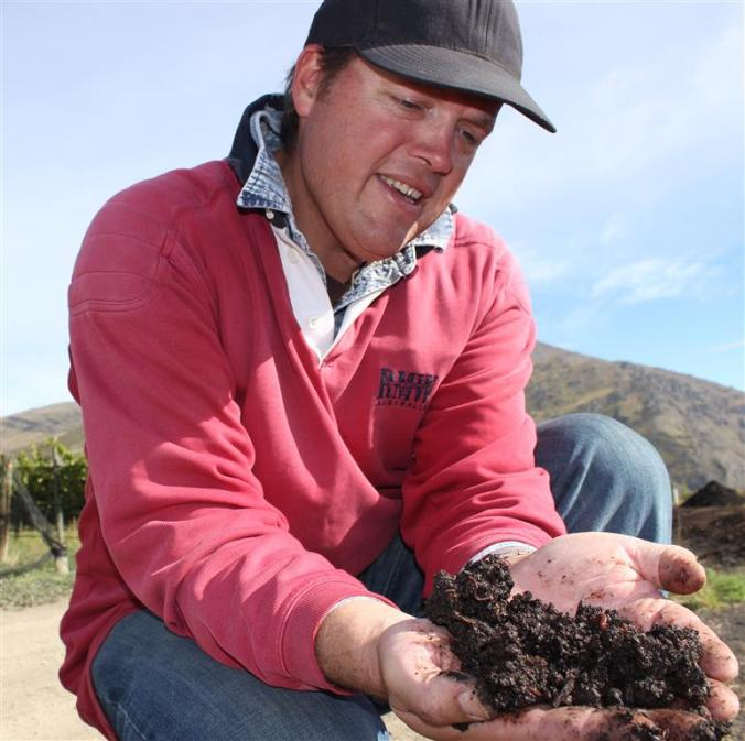 viticulturist_james_dicey_holds_worm_made_fertilis_56fcf7ae4d